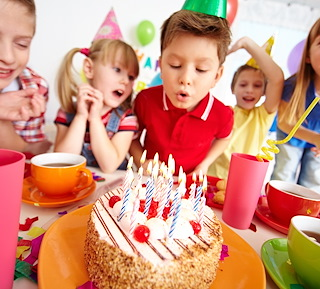 6 Winter birthday party ideas: not cold, not expensive, not boring